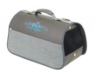 Transportná taška Cazo Blue rose, spĺňavšetky náročné kritéria potrebné pre pohodlie pri transporte vášho domáceho maznáčika, ktorými sú bezpečnosť, kvalita, prievzdušnosť, komfort, moderný dizajn, originalita a jednoduchosť v údržbe.