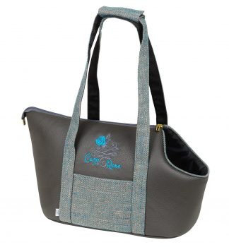 Taška pre psíkaCazo Blue rose, spĺňavšetky náročné kritéria potrebné pre pohodlie pri transporte vášho domáceho maznáčika, ktorými sú kvalita, komfort, moderný dizajn, originalita a jednoduchosť v údržbe.