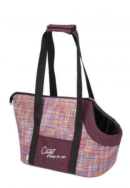 Taška pre psa Impressionist bordová svetlájemoderná prepravná taška pre psa vo svetlo bordovej farbe. Veľmi ľahká a praktická taška, ktorá Vám prakticky poslúži pri bežných nákupoch.V moderne spracovanom štýle, je zároveň aj Vašim módnym doplnkom. Taška je dostupná v uvedenej veľkosti: Rozmery : 30 × 40 × 24 cm Kód : LMPC1001